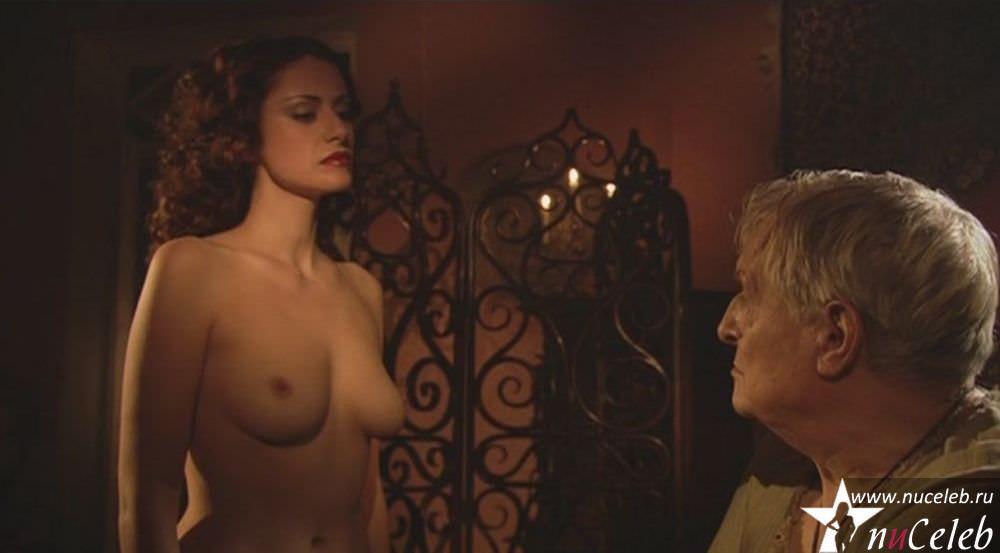 anna-kovalchuk-eroticheskie-stseni