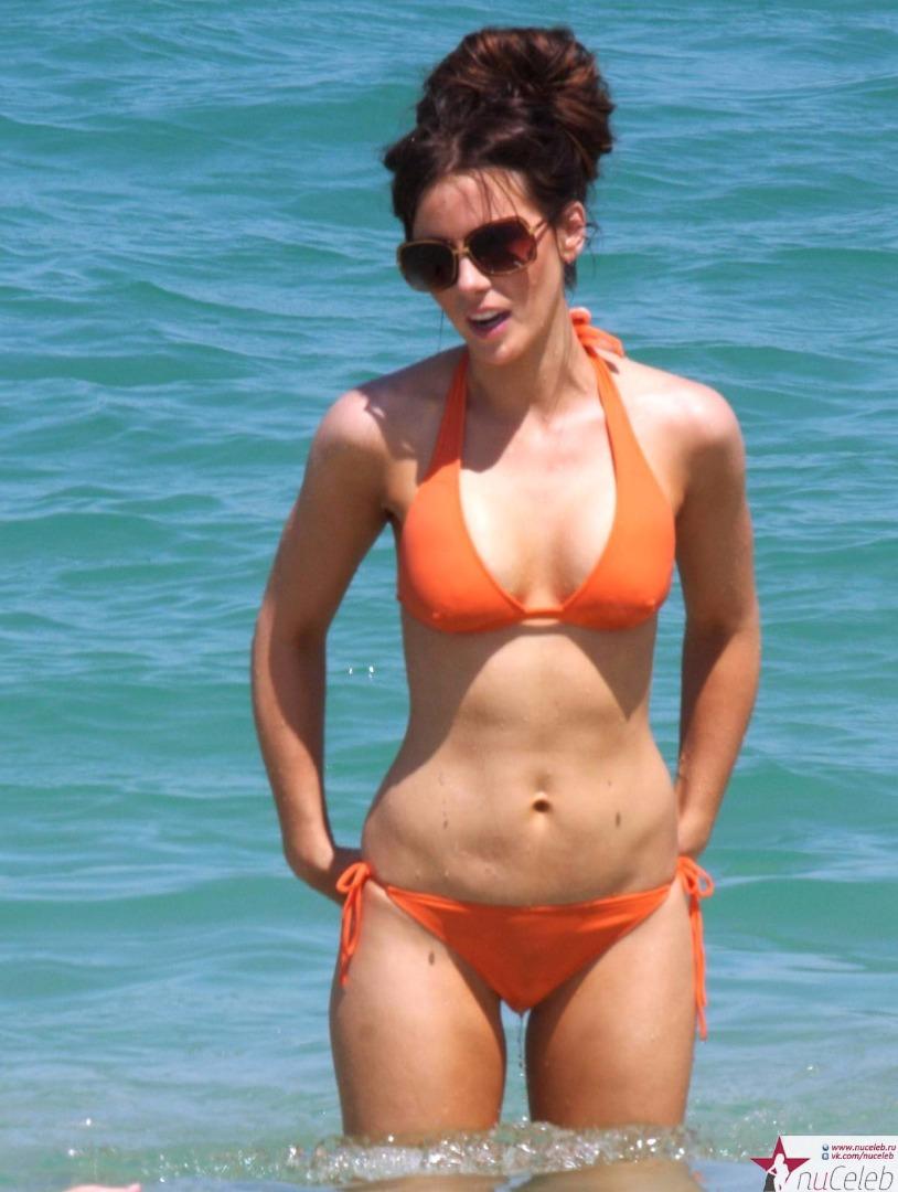 Фото звезд эстрады на пляже 9 фотография