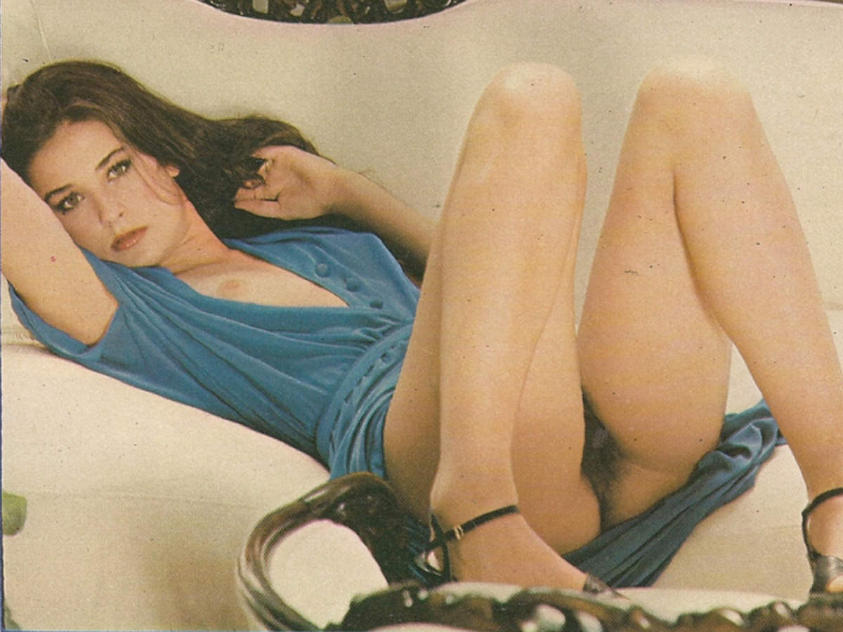 Japan girls demi moore sexy pose courtney