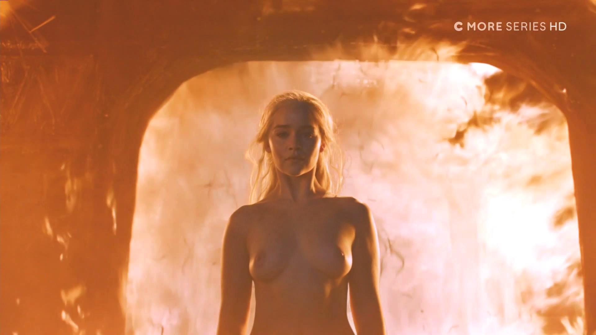 Игра престолов голые фото прочитала