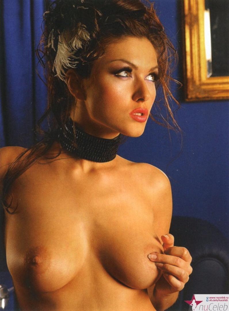 Юля dekolte голая 25 фотография