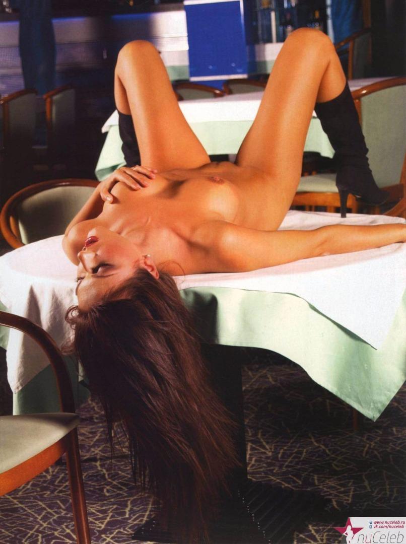 Юля dekolte голая 20 фотография