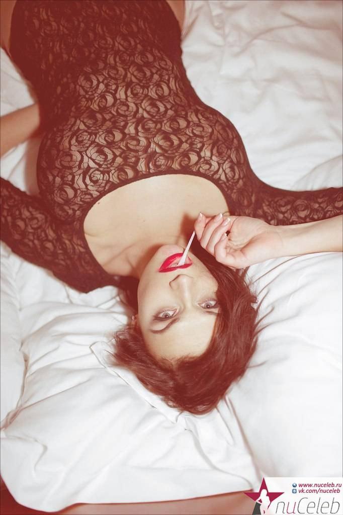 alena-vodonaeva-v-eroticheskoy-fotosessii