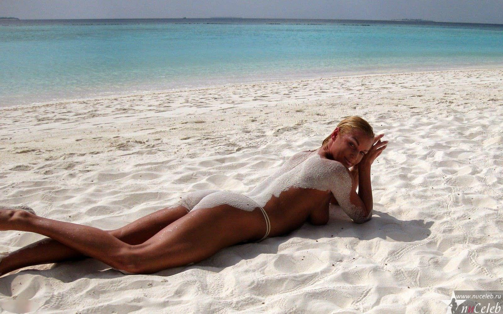 Фото голой волочковой на пляже 2011 10 фотография
