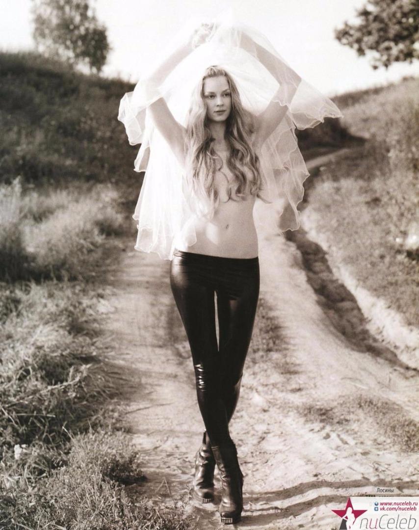 foto-goliy-svetlana-hodchenkova